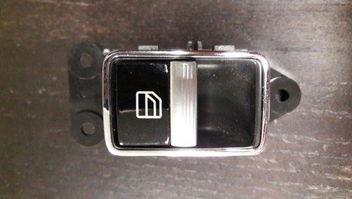 Кнопка стеклоподъемника для Mercedes W221